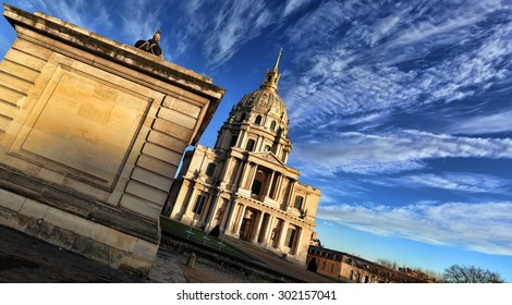 Les Invalides at dawn