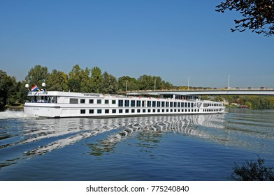 Les Mureaux; France - september 30 2011 : the Seine riverside