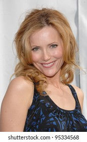 "Leslie Mann at the world premiere of ""Evan Almighty"" at the Gibson Amphitheatre, Universal Studios, Hollywood. June 10, 2007  Los Angeles, CA Picture: Paul Smith / Featureflash"