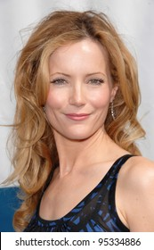 """Leslie Mann at the world premiere of """"Evan Almighty"""" at the Gibson Amphitheatre, Universal Studios, Hollywood. June 10, 2007  Los Angeles, CA Picture: Paul Smith / Featureflash"""