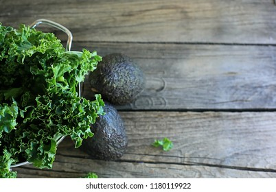 lettuce with avocado