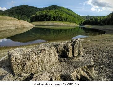 leurtza articial lake in navarra