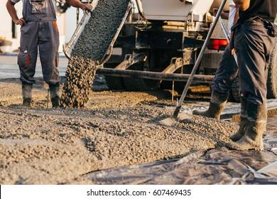 Leveling concrete