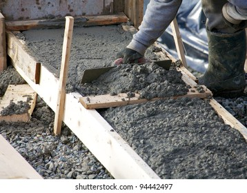 Levelling concrete footings for the foundation of a house under construction