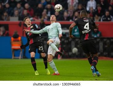 Leverkusen, Germany, February 02, 2019, Bundesliga, matchday 20, Bayer 04 Leverkusen vs FC Bayern Muenchen: Mitchell Weiser (B04), Robert Lewandowski (FCB) in competition.