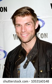 Liam McIntyre attends day one of the 32nd Annual WonderCon Convention in Anaheim, CA on March 23, 2018.