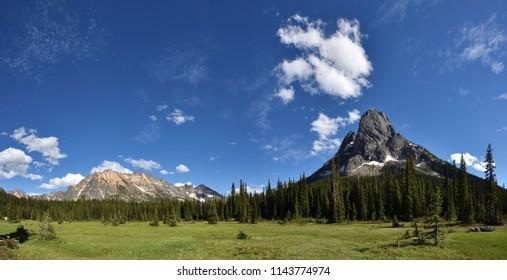 Liberty Bell and Kangaroo Ridge in the summer, Washington State