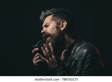 Singer with Microphone Images, Stock Photos & Vectors