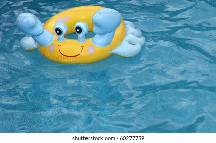 lifebuoy crab in swimming-pool