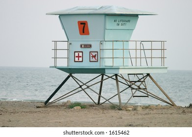 Lifeguard stand in California