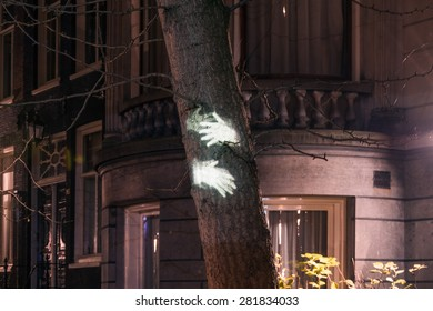 Light art on tree