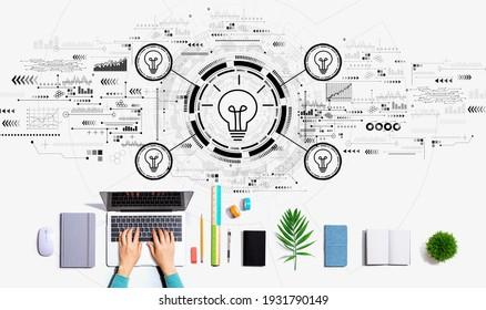 Lichtblitze mit Person, die einen Laptop benutzt