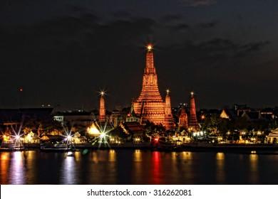 Light night at Wat Arun Thailand.