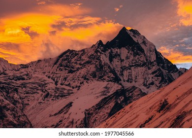 Light over the peak of the Machapuchare