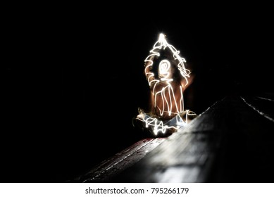 Light painting of a female body