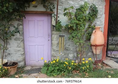 Imágenes Fotos De Stock Y Vectores Sobre Purplefrontdoor
