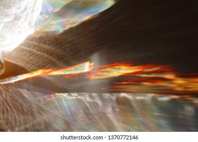 Light reflexes caused by solar fission after passing through glass bottles