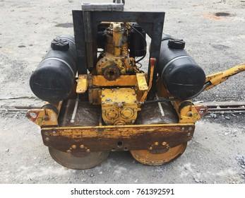 Light rolling machine for asphalt