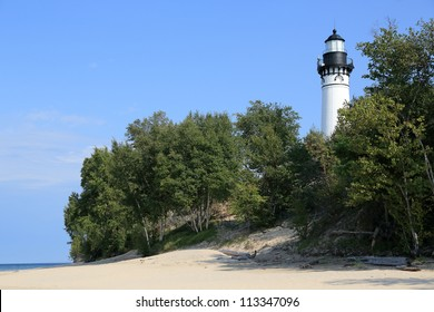 Lighthouse on the shore of Lake Superior