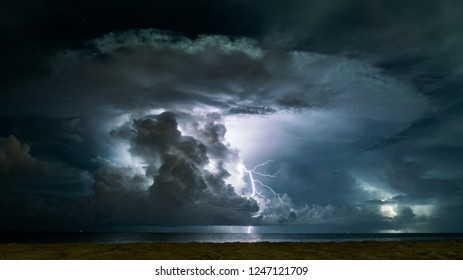 lightning at the sea