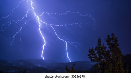 Lightning that pierces the valley.