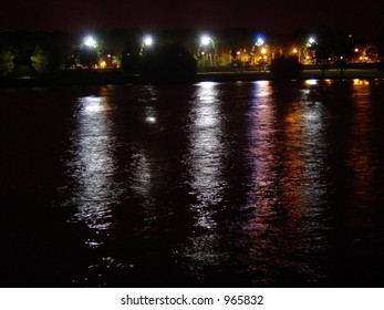 lights reflection on water in Toulouse
