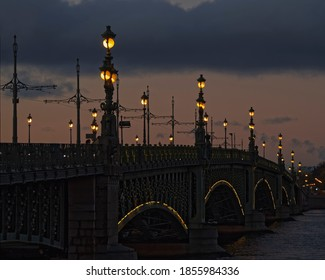 Lights of the Trinity bridge – the most beautiful bridge in the city. Center of old Saint Petersburg