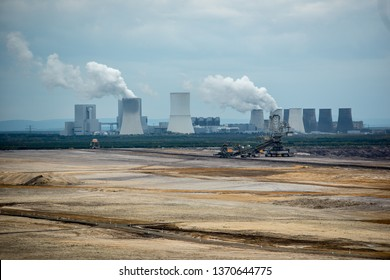 Lignite mining in Lusatia with Black Pump power plant