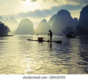 lijiang river fishermen