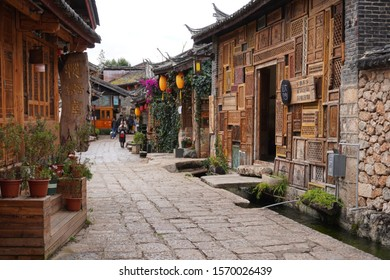 Lijiang/China_31 oct 2019: Shuhe Ancient Town is one of the oldest habitats of Lijiang and well-preserved canal on the Ancient Tea Route. It listed as World Cultural Sites by the UNESCO in 1997