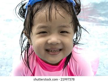 i like swimming. HAPPY!