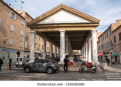 L'ILE-ROUSSE, HAUTE- CORSE/FRANCE - OCTOBER 31, 2018: Historic market in the city center on a weekday