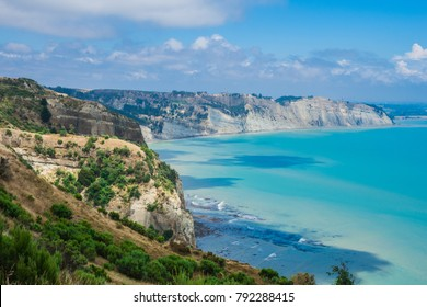 Limestone cliffs of Cape Kidnappers Nature Preserve, Hawke's Bay, North Island New Zealand, with views of South Pacific Ocean