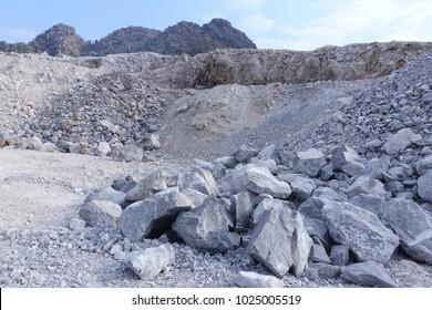 Limestone in Quarry, limestone mining