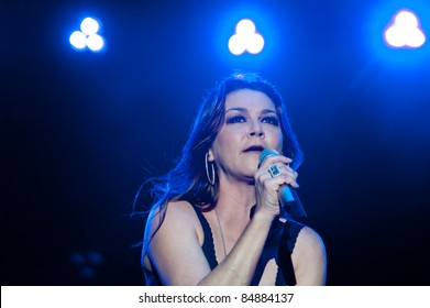 LINCOLN, CA - SEPT 16: Gretchen Wilson performs with Big & Rich at Thunder Valley Casino and Resort in Lincoln, California on September 16th, 2011