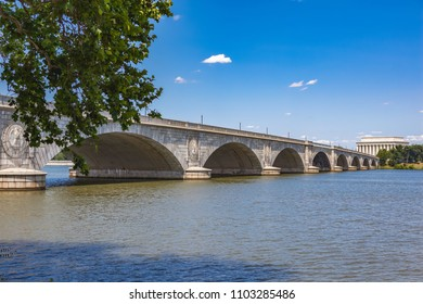 The Lincoln Memorial and the Arlington Memorial Bridge stretching over the Potomac River into Washington DC from the Mount Vernon Trail