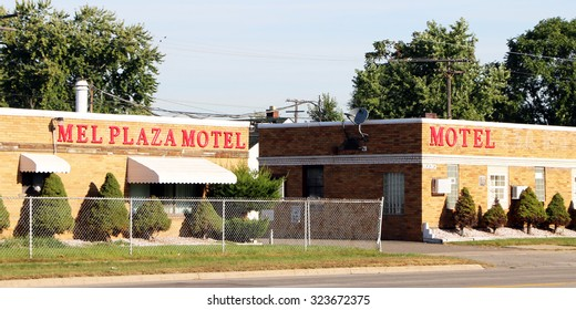 LINCOLN PARK, MI-OCTOBER, 2015:  Old roadside motel.