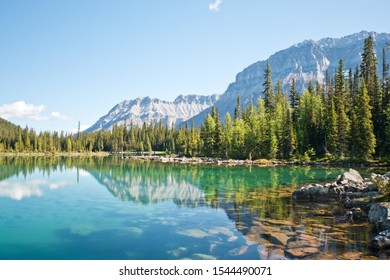 Linda lake in Yoho national park
