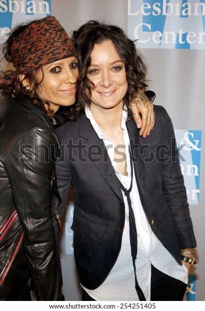 """Linda Perry and Sara Gilbert at the L.A. Gay & Lesbian Center's """"An Evening With Women"""" held at the Beverly Hilton Hotel in Los Angeles, California, United States on May 19, 2012."""