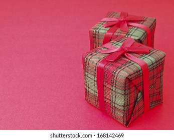 line arrange of two red gift box on red background