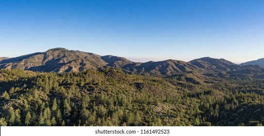 Line of mountain tops and ridges in the National Forest of southern California.