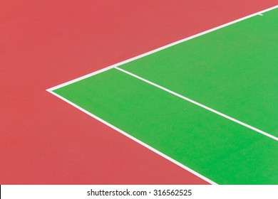 A line on tennis court