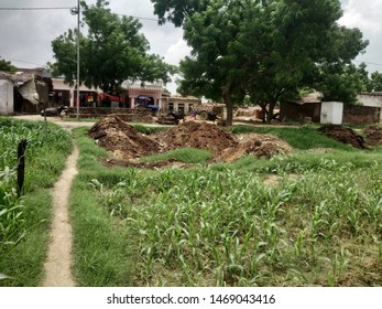 linear way to village from their field , Chamanpur near Kanpur, Indian .