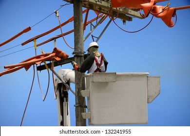 Linemen power utility.