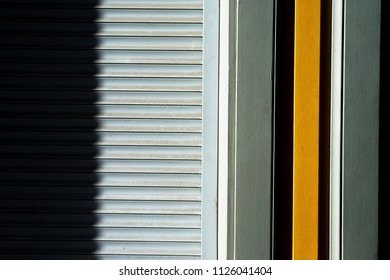 Lines of blinds on the wall