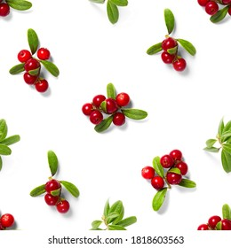 Lingonberry seamless pattern on white background. Fresh cowberries or cranberries with leaves as seamless pattern for textile, fabric, print