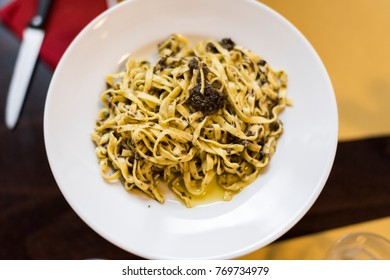 linguine with sauce and truffle, Tuscan cuisine linguine with sauce and truffle, Tuscan cuisine