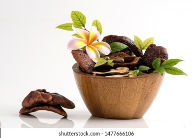 Lingzhi mushroom, Reishi mushroom ,powder ,slice and fruity body on white background.