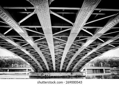 Lion - France - Bridge