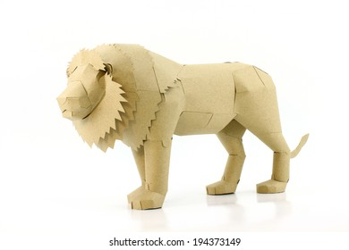 the lion made by recycled paper